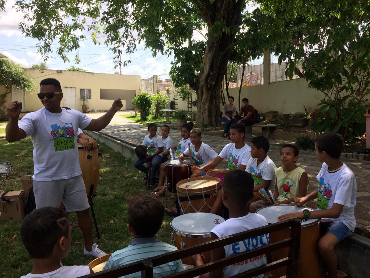 Intercambio Musical entre o projeto Beira da Linha e a Casa Pequeno Davi.